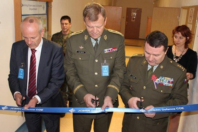 Slavnostní otevření operačního vrámci Centra ochrany proti zbraním hromadného ničení ve Vyškově.