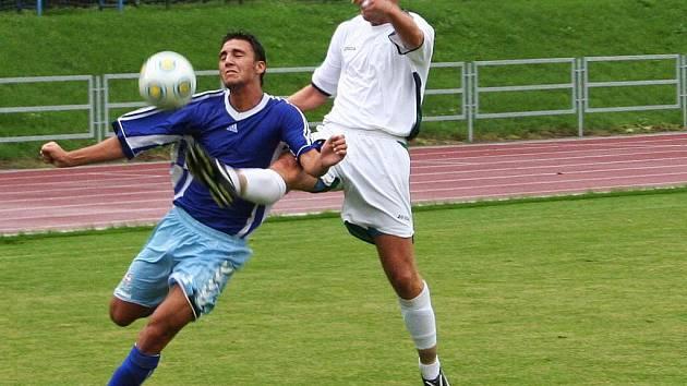 Fotbalisté Vyškova (v modrém) porazili Otrokovice 2:1.