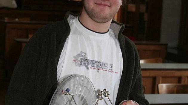 Talentovaný student Miroslav Michlíček se chce věnovat vědecké dráze.