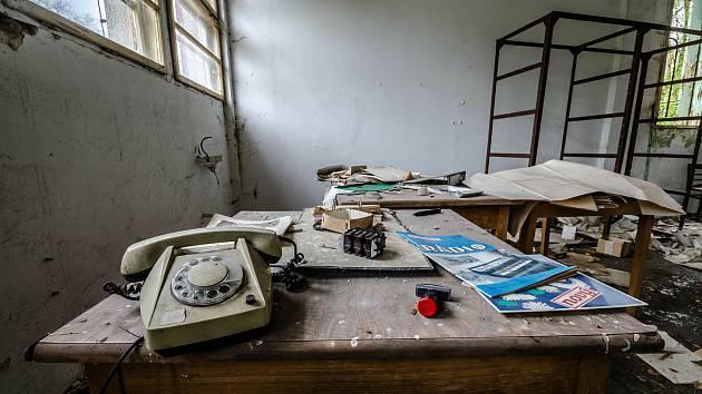 Opuštěná textil továrna fungovala ještě do devadesátých let.