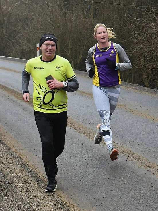 Druhou Nemojskou osmičku běžců AK Drnovice vyhráli Anežka Langhammerová a Lukáš Soural.