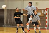 V posledním kole jihomoravské divize futsalistů bylo na pořadu vyškovské derby. Lazor-Domus v něm porazil Pivovar 8:6.