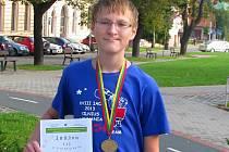 Student získal na olympiádě bronzovou medaili a diplom.