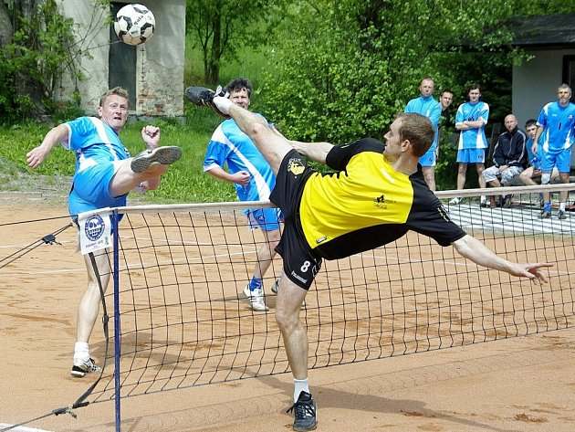 V 6. kole II. ligy nohejbalistů remizovaly Holubice v Bělé 5:5.