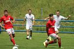 Fotbalisté Blanska (červené dresy) v přípravném utkání porazili na vlastním trávníku MFK Vyškov 2:0.