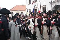 """Francouzská porepubliková armáda jde do boje. Napoleon dumá, jak přelstít dva císaře. V sobotu se opět konala """"bitva"""" u Slavkova..."""