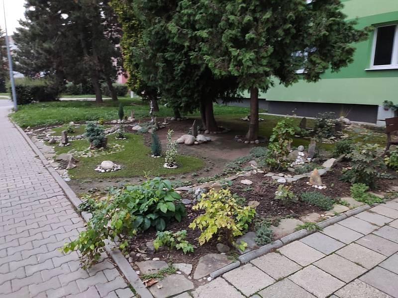 Jak si obyvatelé ulice Puškinova sami zkrášlují své prostředí.