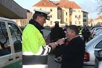 Policisté lovili opilce