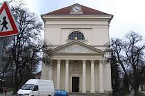 Slavkovský kostel je sídlem slavkovského děkanství.