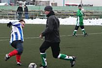 V B skupině zimního turnaje v Brně-Líšni remizovali fotbalisté Šaratic s Rapoticemi 1:1.
