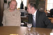 Jiří Šandera s hejtmanem Haškem.