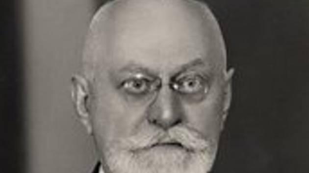 Moravský historik, archivář a profesor obecných dějin Bohumil Navrátil.
