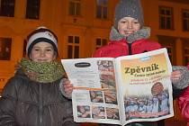 Ve Vyškově zavládla u zpívání koled pohodová atmosféra. Návštěvníci akce zaplnili celé Masarykovo náměstí.