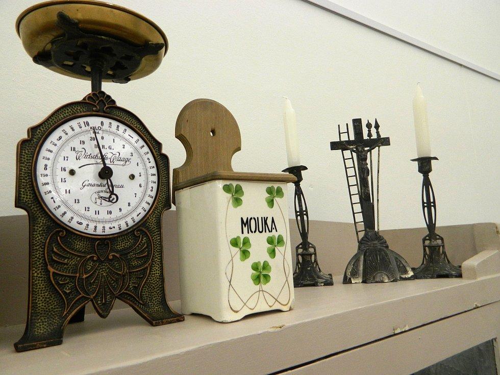 Jak vypadaly domácnosti v období před vznikem samostatného Československa si můžou prohlédnout návštěvníci Muzea Vyškovska. Z výstavy si odnesou například i rady, jak prožít spokojený život.