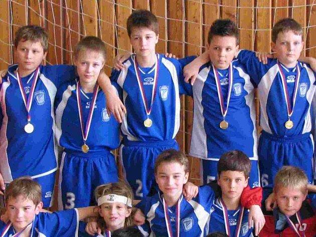 Část členů družstva fotbalové přípravky.