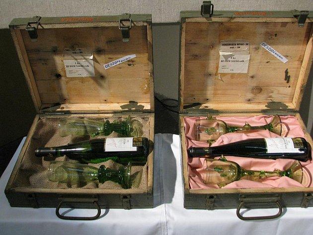Vína byla uložena v dárkových kazetách.