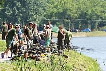 Místní organizace Moravského rybářského svazu Vyškov letos slaví devadesát let od svého založení. Její členové při této příležitosti uspořádali závody na malém a velkém Kačenci ve Vyškově.