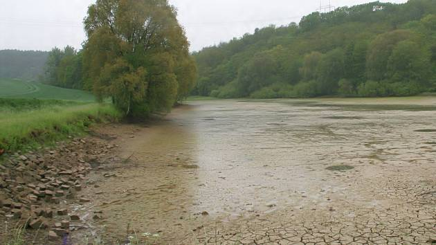 Heršpický rybník už byl v havarijním stavu. Obec ho dá do pořádku díky dotacím z Evropské unie.