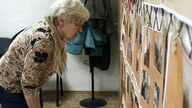 V Olšanech pořádali výstavu Světové války. Ve víceúčelové budově nabídli k jednotlivým exponátům i zajímavý výklad.