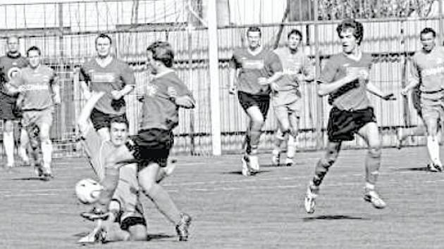 Fotbalisté Sokola Dědice letos válcovali soupeře především kolektivním pojetím hry. V týmu se skloubila dravost mládí se zkušeností.