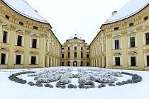 Letošní zima na zámku ve Slavkově u Brna.