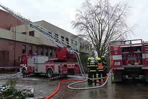 Zásah v hasiči v bývalém kulturním středisku ve Vyškově v Dědické ulici.