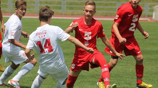 Superfinále fotbalového turnaje Coca Cola Cup 2015 ve Vyškově si zahráli i domácí žáci ZŠ Vyškov, Purkyňova.