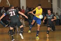 V okresním derby futsalové divize zvítězil domácí tým Brikety-pelety Štěpán Vyškov (BPŠ) nad  FC Kloboučky 5:3.