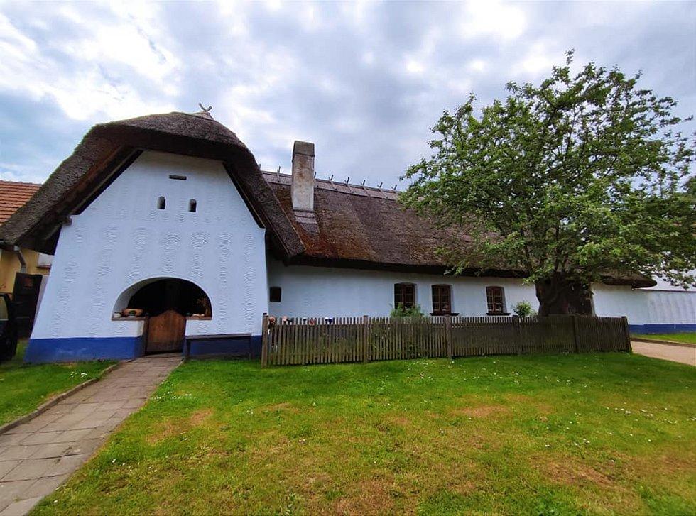 Vesnické domky v Lysovicích.