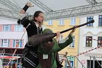 Dny památek – Dny evropského dědictví Vyškov začaly na Masarykově náměstí ve Vyškově v pátek. Hned několikrát se předvedlo například Divadlo bez střechy.
