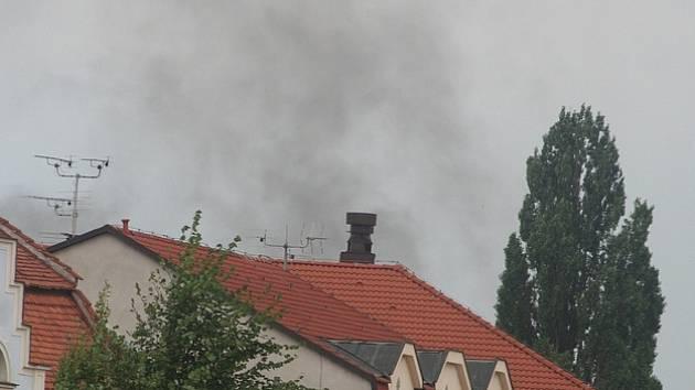 Z černého kouře se nevyklubal požár