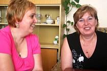 Pečovatelky Dana Mrnuštíková a Jitka Hynštová roky pracují ve vyškovském Centru sociálních služeb.