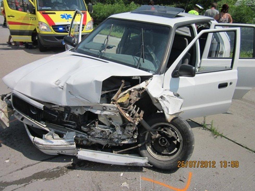 Dálnice D1 na 225. kilometru zablokovala hromadná nehoda čtyř aut