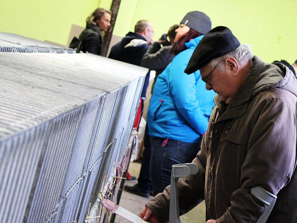Devětadvacátá prodejní výstava králíků ve Vyškově nabídla desítky zvířat různých plemen.