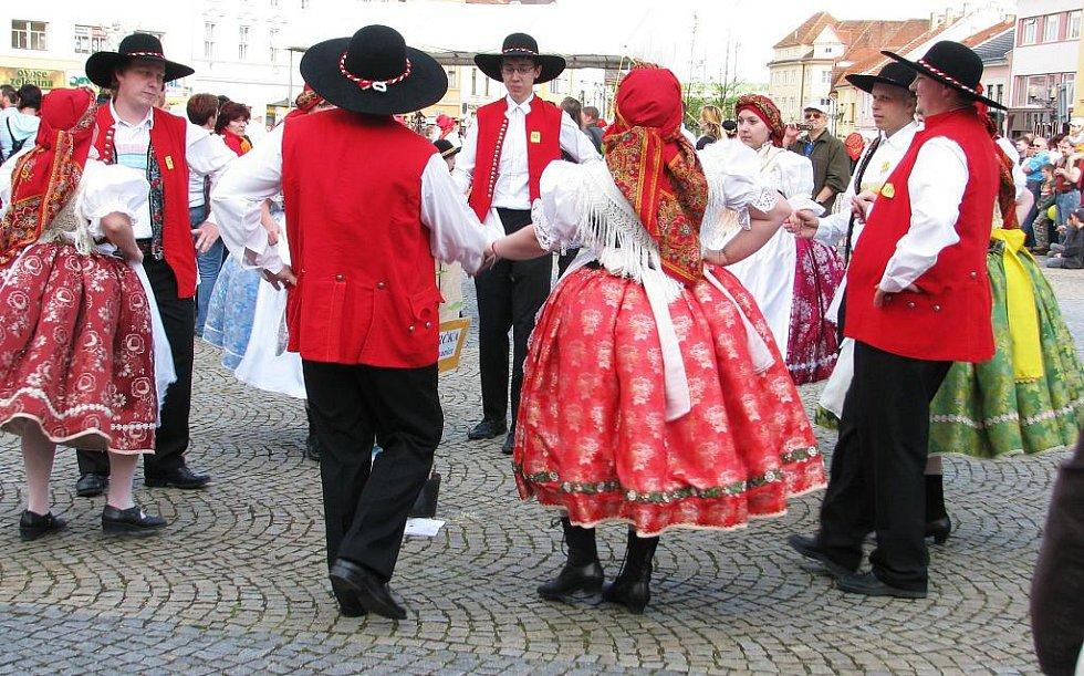 Na Masarykově náměstí ve Vyškově lidé právě slavili Hanácký den.