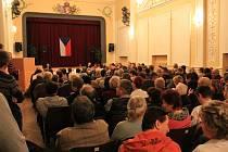 Velký sál v rousínovské Záložně. Archivní snímek