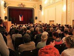 Velký sál v rousínovské Záložně byl na středečním zasedání ustanovujícího zastupitelstva zcela zaplněný.