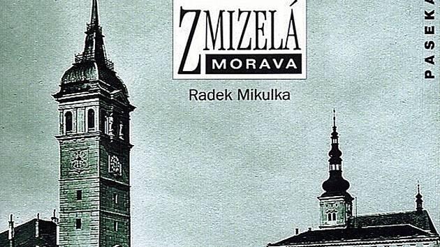 Už druhou fotografickou publikací se může v letošním roce pochlubit okresní město. Opět vzešla z pera tamního historika Radka Mikulky.