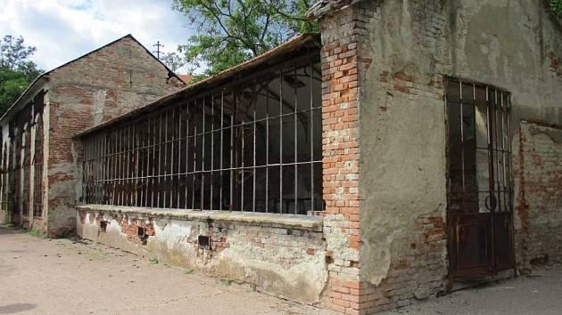 Původní stav oranžerie u habrovanského zámku.
