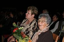 Choreografka Zdeňka Rotreklová převzala cenu za národopisný soubor Trnka.