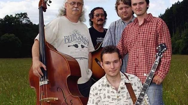Nástrojové obsazení je typicky bluegrassové – kytary, mandolína, banjo, dobro.  Současnou kapelu tvoří Jiří Mach, Zdeněk Kalina, Jan Máca, Petr Mečiar, Jiří Karas Pola.