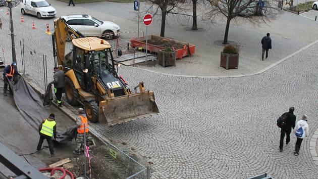 Opravy vyškovského Masarykova náměstí.