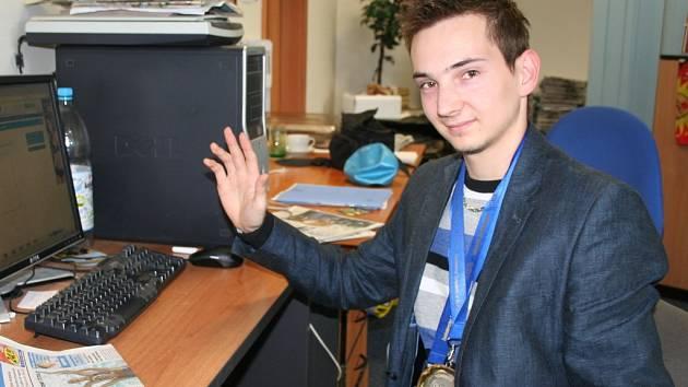 Dvojnásobný juniorský mistr Evropy v kulečníku Hošek Ondřej BC Ponětovice odpovídal v redakci on-line na otázky čtenářů.