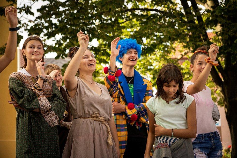Do Rousínově loni zavítali i herci Hudebně dramatického studie při Moravském divadle Olomouc.
