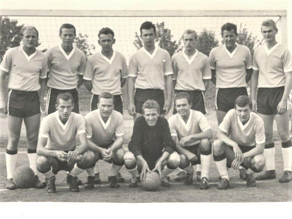 1965 - 1966,  8. místo v I. B třídě.