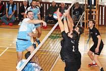 Ve druhé lize volejbalistů se Sokol Bučovice utkal s ŠSK Beskydy s výsledky 3:0 a 1:3. Nejlepšími hráči svých týmů byli Ivo Dubš a Přemysl Kubala.