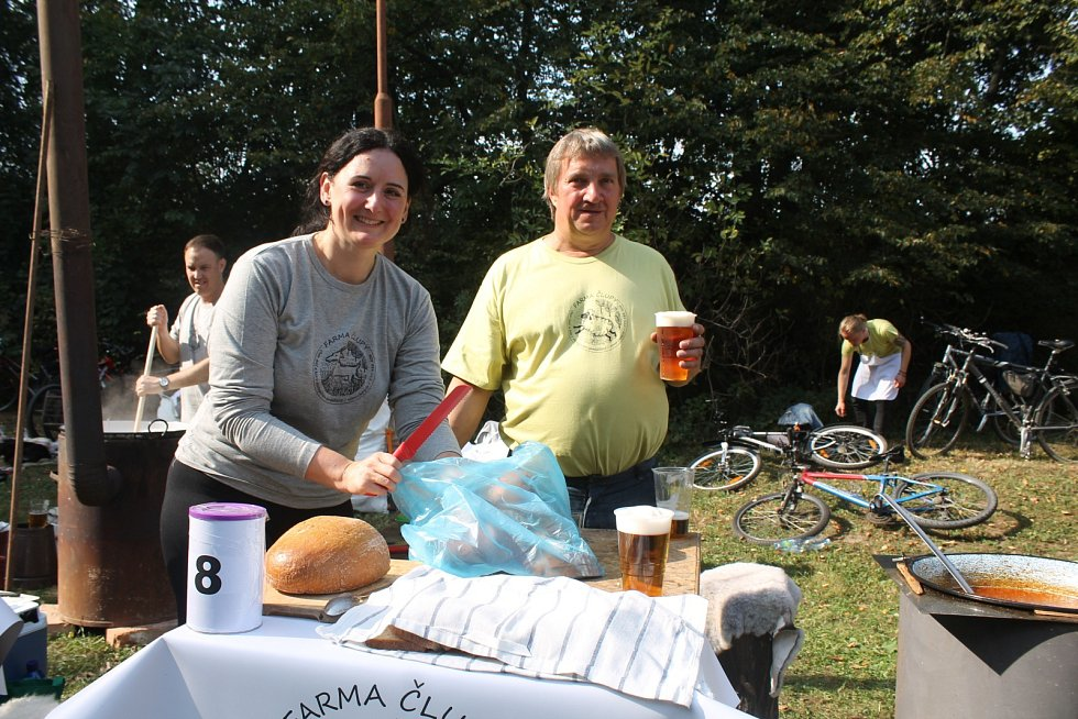 Se soutěžemi ve vaření gulášů se na Vyškovsku v posledních letech roztrhl pytel. Organizátoři z bučovických Maref získávali zkušenosti například v Nížkovicích, ze své sobotní akce chtějí udělat tradici. S účastí byli nadmíru spokojení.
