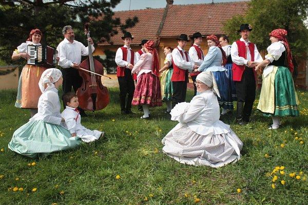 Folklorní soubor Křenovák.