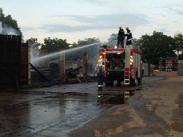 Požár slavkovského Kovošrotu.