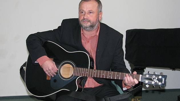 Moderátor a hudebník Libor Petrů